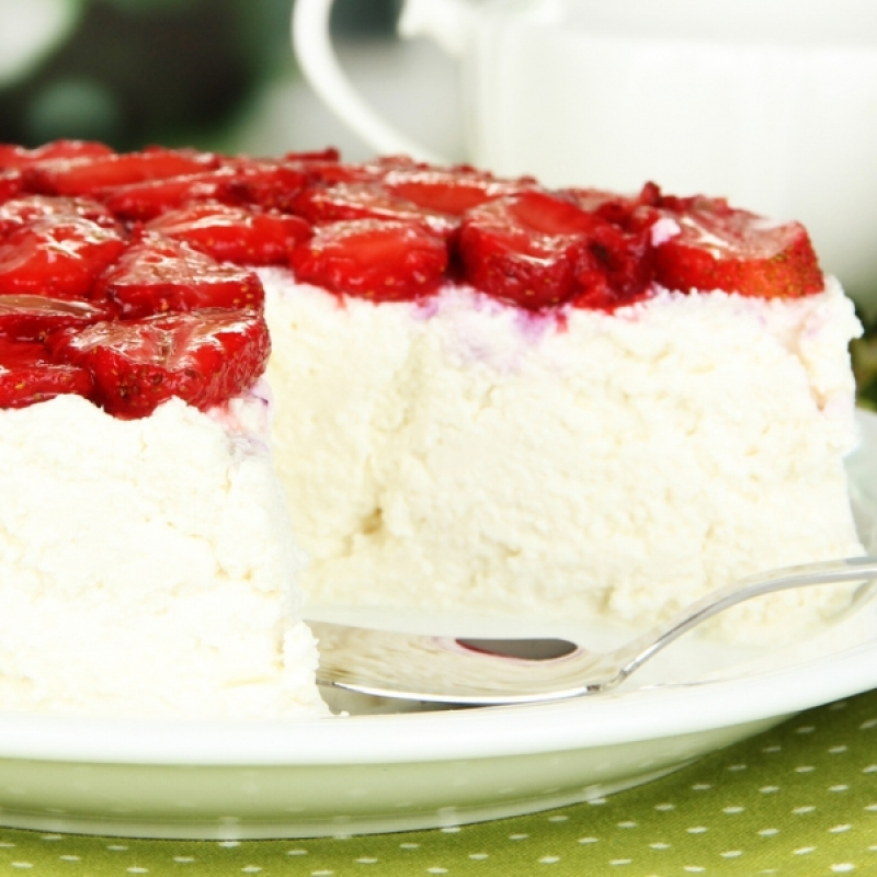 White Chocolate Cheesecake With Glazed Strawberry Topping