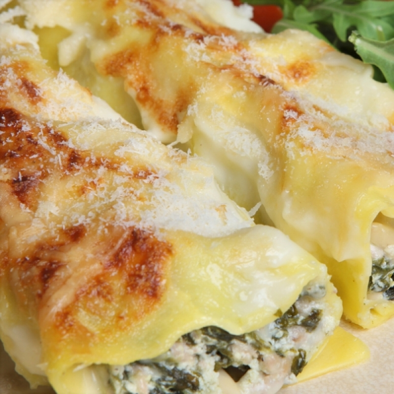 how to roll lasagna sheets to make cannelloni